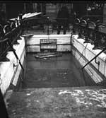 Inondations.31 janvier 1910, entrée du métro Cour de Rome [envahie par les eaux, Paris, 8e arrondissement]. Rol 8107